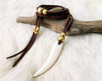 Zanna collana camoscio Collana artiglio collana Collana Boho - MARRONE - monili di Boho Gypsy gioielli gioielli bohemien osso collana dente