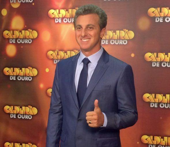 """Luciano Huck apresenta mais uma edição do """"Caldeirão de Ouro"""" neste sábado (07)"""