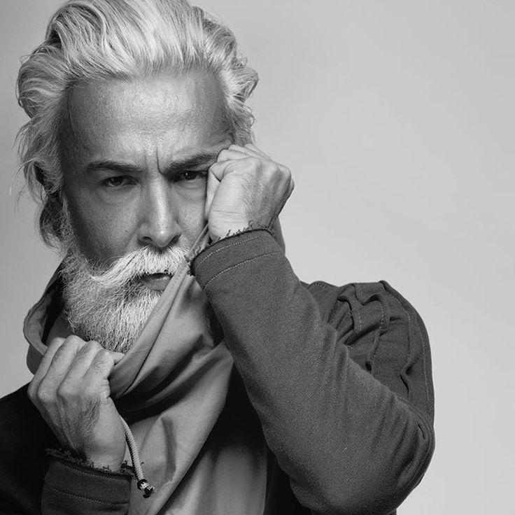 #italianstyle #grey #gentleman #karlmommoo #baffi #barba #beard #beardman #model #menstyle #mustache #modelmale #dandy #beardoil #beardlife #phooftheday #style #silverfox #sartorial #pic #teambeardbrand #vintage #abbigliamento #alessandromanfredini