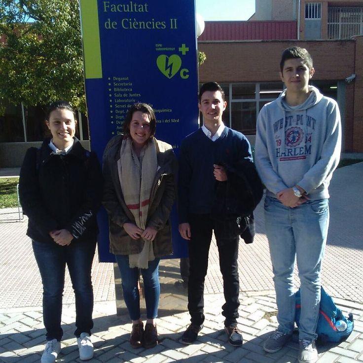 Alumnos que participan en la Olimpiada de química en la @ua_universidad Mucha suerte!!
