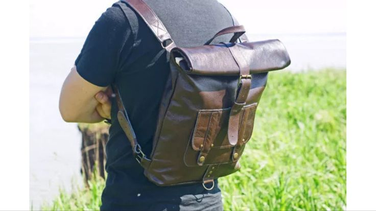 Mans rolltop leather backpack #leather #backpack #leatherbag #wood #handmade