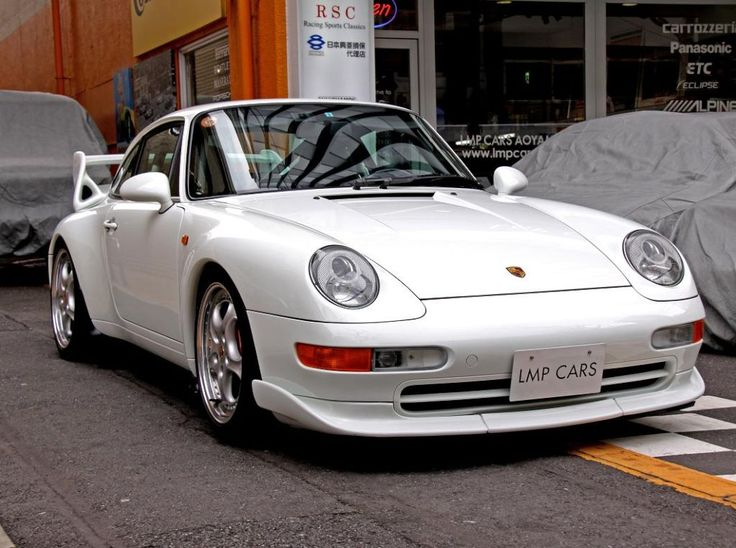 White Porsche 993 RS Clubsport