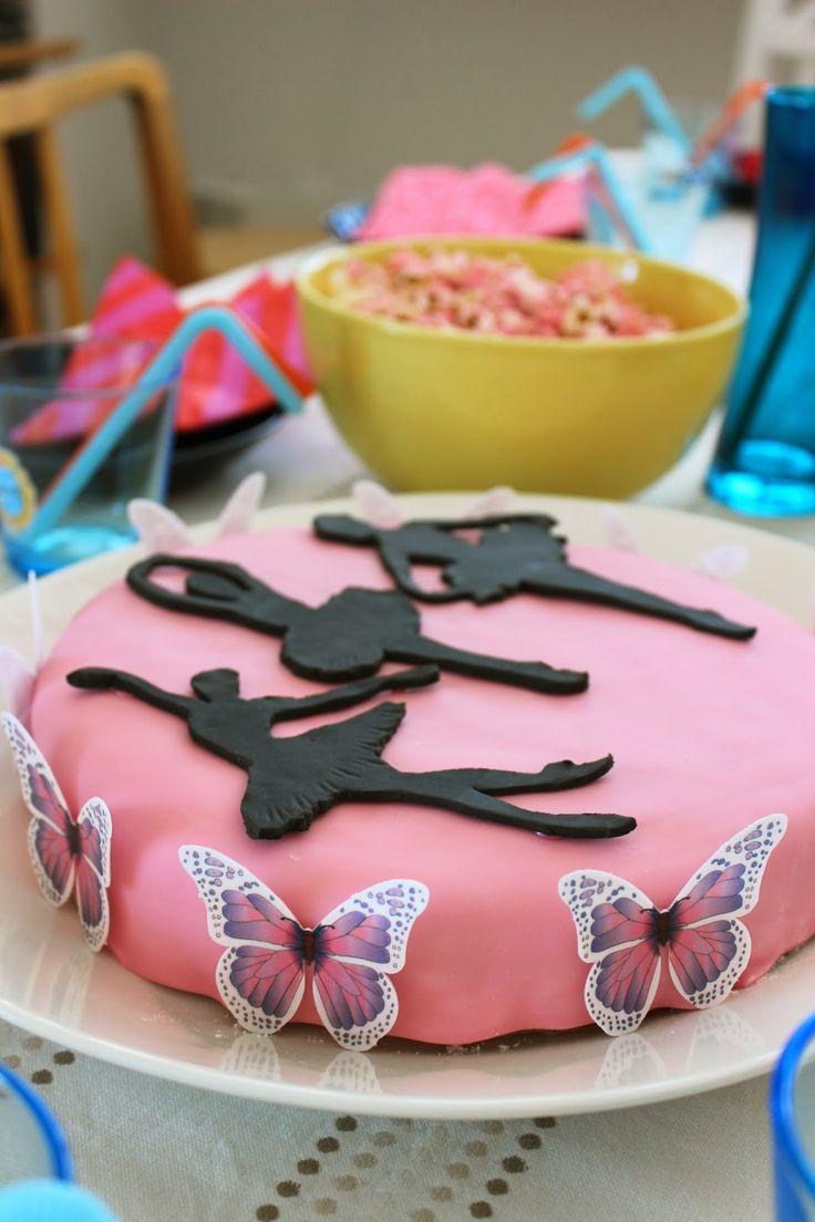 Pink ballet cake.