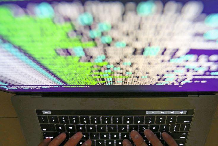 Une vague massive de cyberattaques rappelant le mode opératoire du virus    WannaCry, en mai   , se répandait ce mardi à plusieurs multinationales européennes et américaines après avoir frappé l'Ukraine et la Russie. En France, l'industriel français Saint-Gobain, le distributeur Auchan et la SNCF ont indiqué avoir été touchés. Le parquet de Paris a décidé d'ouvrir une enquête.