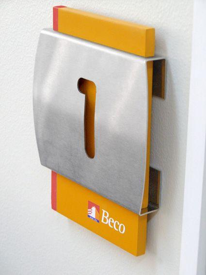 señaletica en aluminio con base de acrilico y vinilo | Flickr: Intercambio de fotos