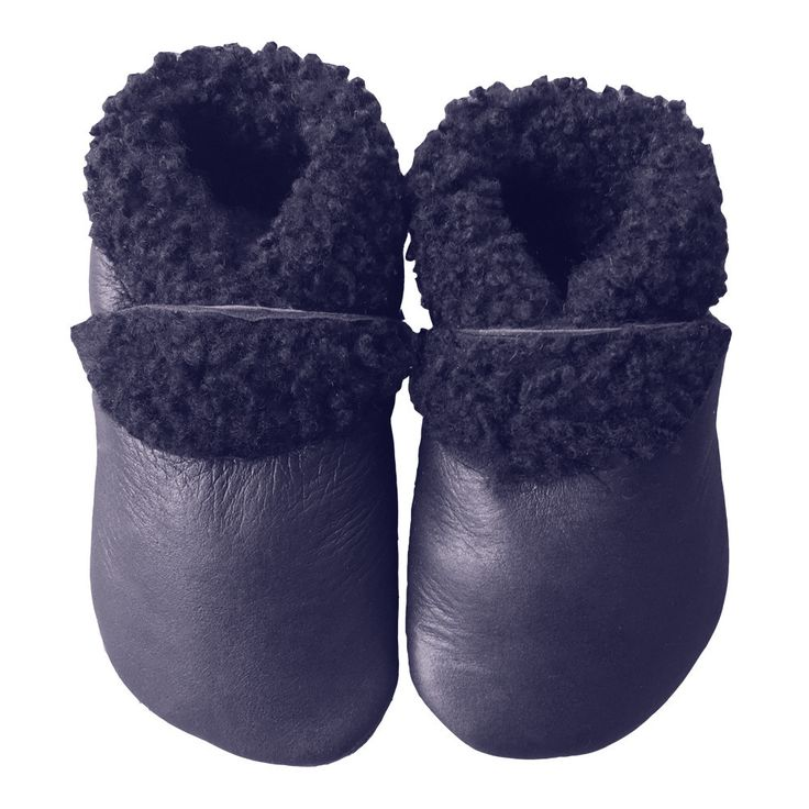 Slinkskin wool, Toddler Shoes Sizes 14cm and 15cm Please note this is a very dark navy Pitter Patter produce an innovative range of natural leather footwear for babies and toddlers that allows kids feet to move and grow while providing total protection. Comfort is paramount for the designers of Pitter Patters - unique stay-on bands make the shoes easy to slip on and off while holding them snugly in place. Pitter Patters are made from the finest New Zealand leather and manufactured locally…