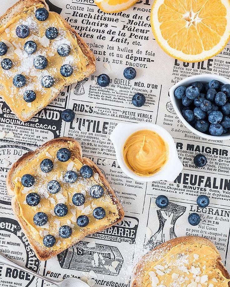 """Daria Boronina  auf Instagram: """"Фуд-фото – это ещё и спорт. Когда снимаешь много пицц сверху, а утром просыпаешься с болью в мышцах. Потому что фон расположен внизу, на полу, а камера наверху и по количеству снимков на карте памяти, понимаешь, что сделала около 500 приседаний, потому что в каждом кадре что-то двигаешь по композиции. Я подумала, что хочу сделать мини рубрику #всяправдаофудфото и писать, какие-нибудь забавные факты. Как вам идея?"""""""