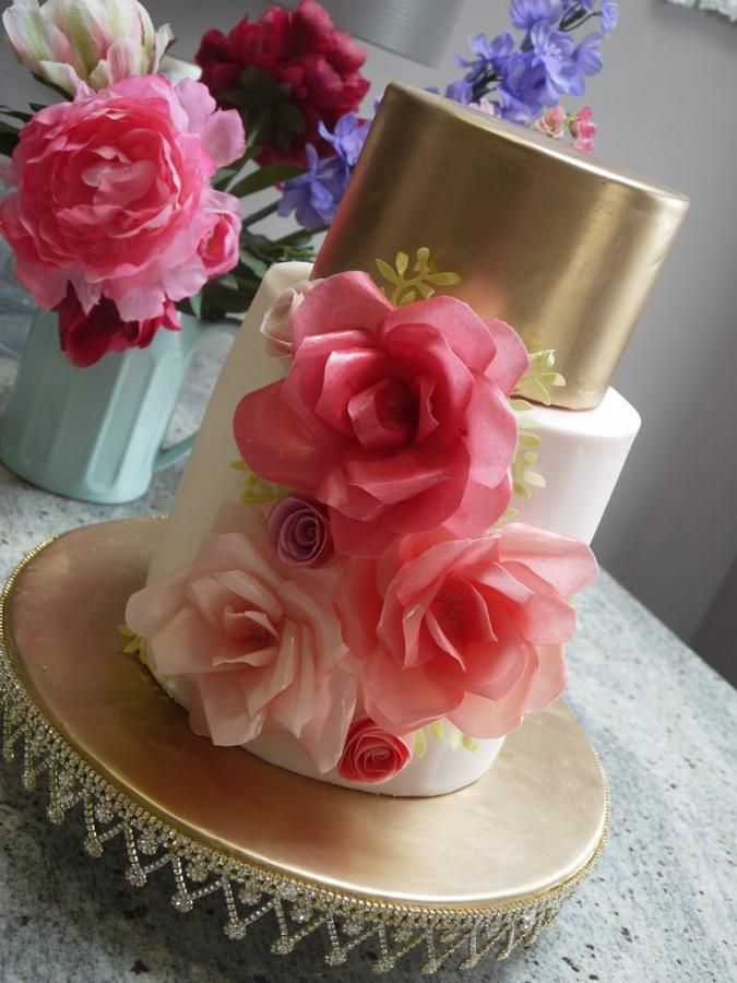 Edible rice paper for cake decorating