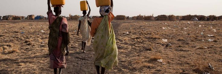 Grandes desplazamientos humanos: crisis de refugiados, migraciones y poblaciones atrapadas.