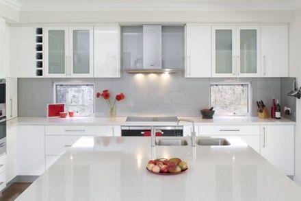 15 Cocinas blancas de estilo minimalista
