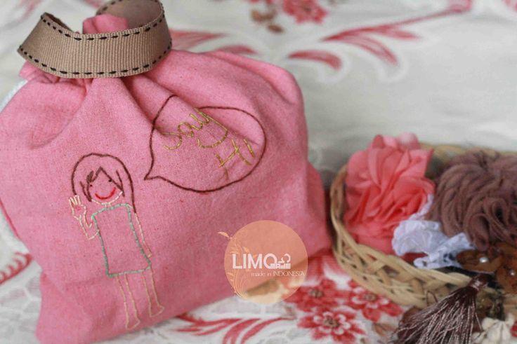 Say Hi | 35K | bahan: belacu | check this limo-made.blogspot.com #handmade #littlebag #limitededition #semarang #indonesia #limomade