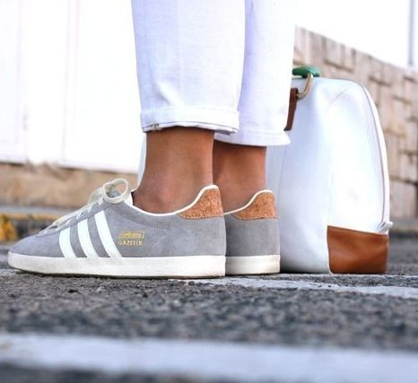 If a more laid-back outfit is the perfect choice for today, dive into these ideas of ladies sneakers shoes @ snazzylair.com