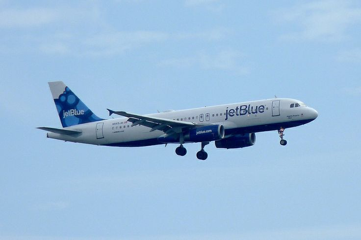 A JetBlue Airbus 320 Landing at Ft. Lauderdale Airport, Florida