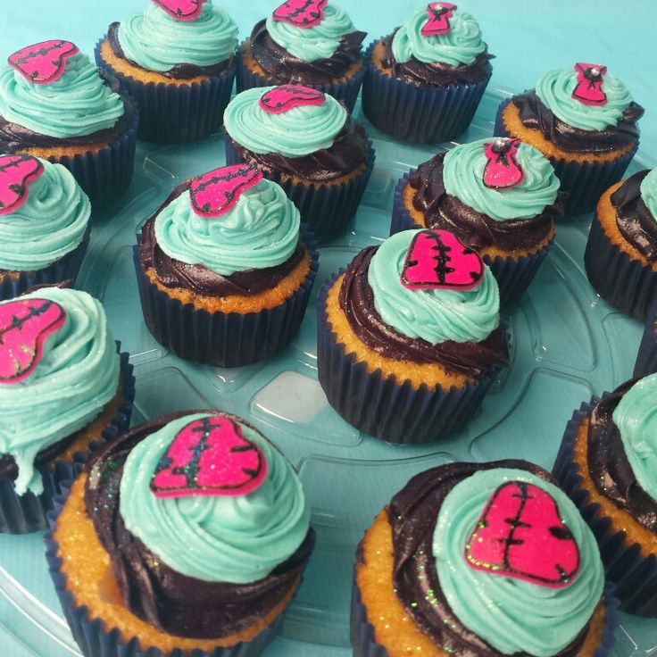 Monster High cupcakes!