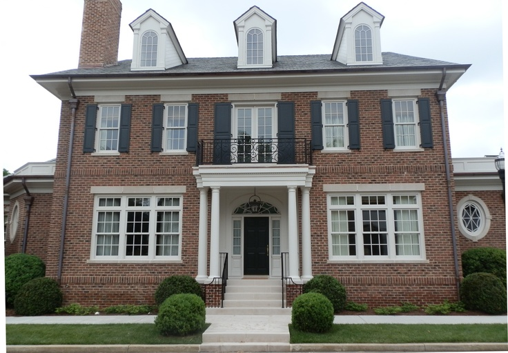 Custom blend of Tryon and Charlestowne on Nashville residence.