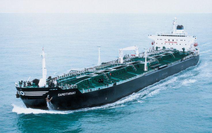 To products tanker SAMOTHRAKI, κατασκευάστηκε το 1989 στα ναυπηγεία Korea Shipbuilding & Engineering της Νοτίου Κορέας για λογαριασμό εταιρείας υπό τη διαχείριση της Eletson Corporation. / The products tanker SAMOTHRAKI, built in 1989 by Korea Shipbuilding & Engineering for a company under the management of Eletson Corporation.