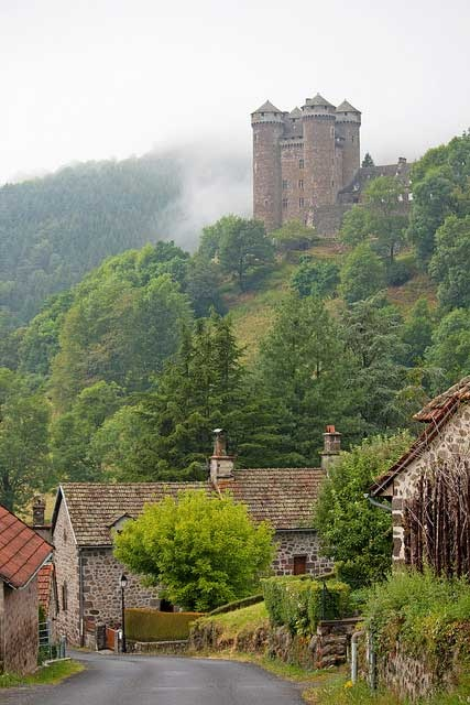 Scotland: Beautiful Places, Château D Anjoni, Danjoni, France, Mountainsid Castles, Side Castles, Photo, Mountain Side, Fairies Tales