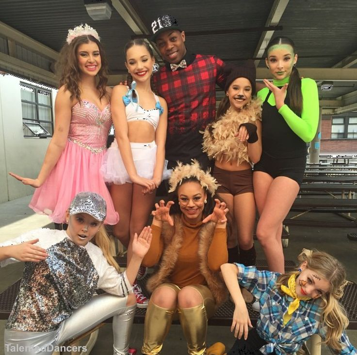 Can't wait to see their new project with Todrick!!! Maddie as Dorothy, Kalani as Glinda, Kendall as Wicked Witch of the West, Brynn as the Scarecrow, Jojo as Tin Man, Nia as Cowardly Lion and Mackenzie as Todo [01.16.16]