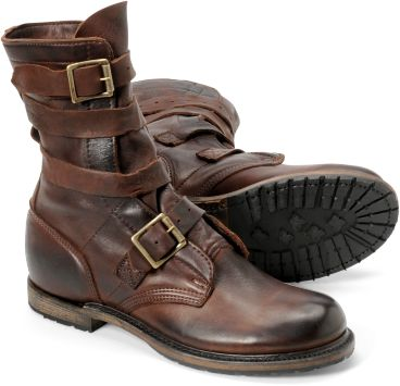 Tanker boots are just so damn cool. I really want a good pair of boots again this fall, my favorite ones had the be trashed last year..: