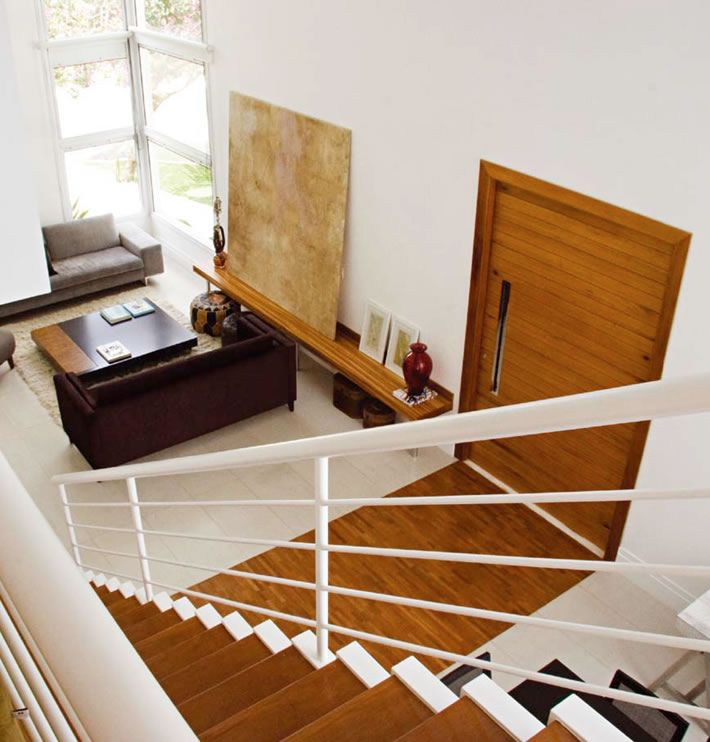 escadas-internas-de-madeira
