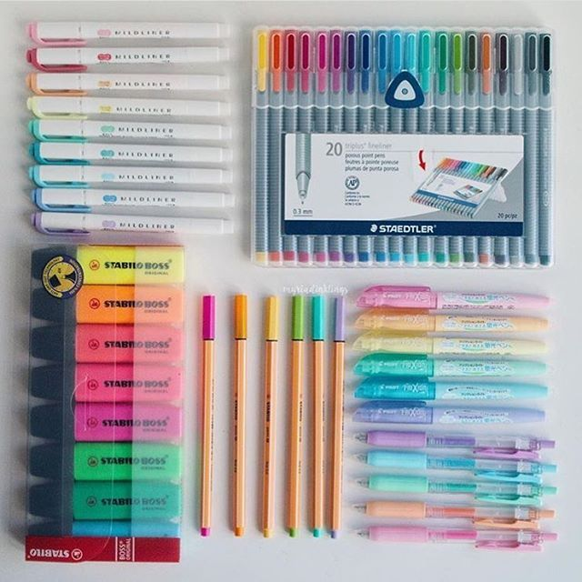 PC: @myriadinklings . . { #tags } • • • • • • • • • #studyblr #study #studying #reading #studyspo #studygram #studytips #bulletjournal #bulletjournals #notes #journal #notebook #washitape #stationery #stationary #desk #deskporn #pens #pen #office #supplies #uni #university #college #studyabroad #work #motivate