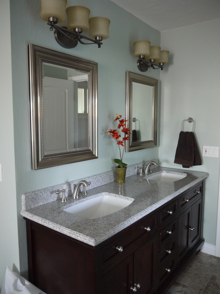 Benjamin Moore S Gray Wisp Paint In Natural Light Bathroom Color