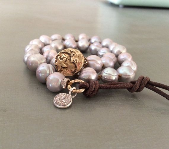 Grey+pearl+knotted+bracelet++moon+and+star+by+Mollymoojewels
