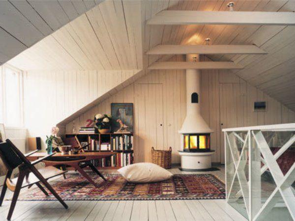 ハイジ気分になれちゃう素敵空間?!書斎でも収納でも、秘密基地にしてもOK!屋根裏部屋の使い方10選