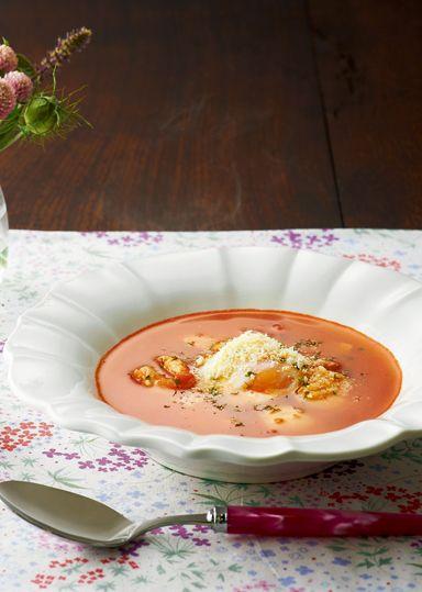 チキンとトマトのアミノスープ のレシピ・作り方 │ABCクッキング ... 玉ねぎのみじん切り・カットトマト缶をさっと炒め、コンソメスープ・削ぎ切りにした鶏ささみを加え、鶏肉の旨味をスープに移しながら煮込みます。