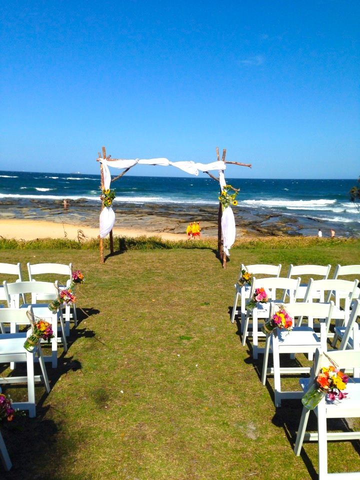 Dicky Beach Wedding Waiting For The Bride To Arrive Thoroughly Australian Hint With