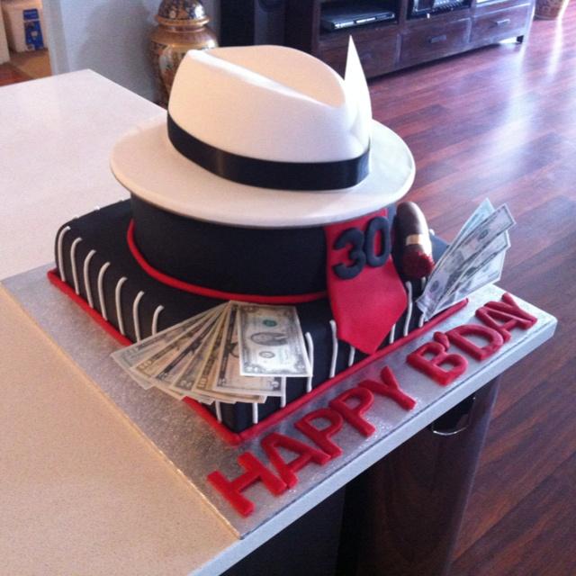 фото тортов для гангстерской вечеринки касается