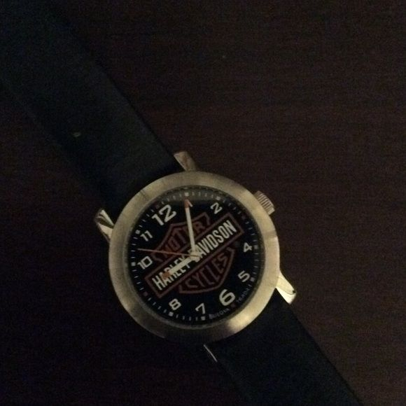 Men's Harley Davidson Watch Barely used Men's HD Watch in excellent condition. My husband wears a Smart Watch now so this just sits in the drawer.  Leather band ! Harley-Davidson Accessories Watches