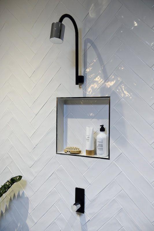 25 beste idee n over witte metro tegels op pinterest metrotegel douche planken en metro - Faience metro wit ...