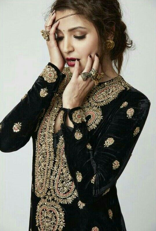 Anushka Sharma for Elle India Oct'16 wearing Sabyasachi. #Sabyasachi #WorldOfSabyasachi #KisandasForSabyasachi SabyasachiCouture