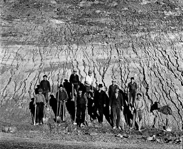 ROAD MENDERS | NEAL SLAVIN PHOTOGRAPHY