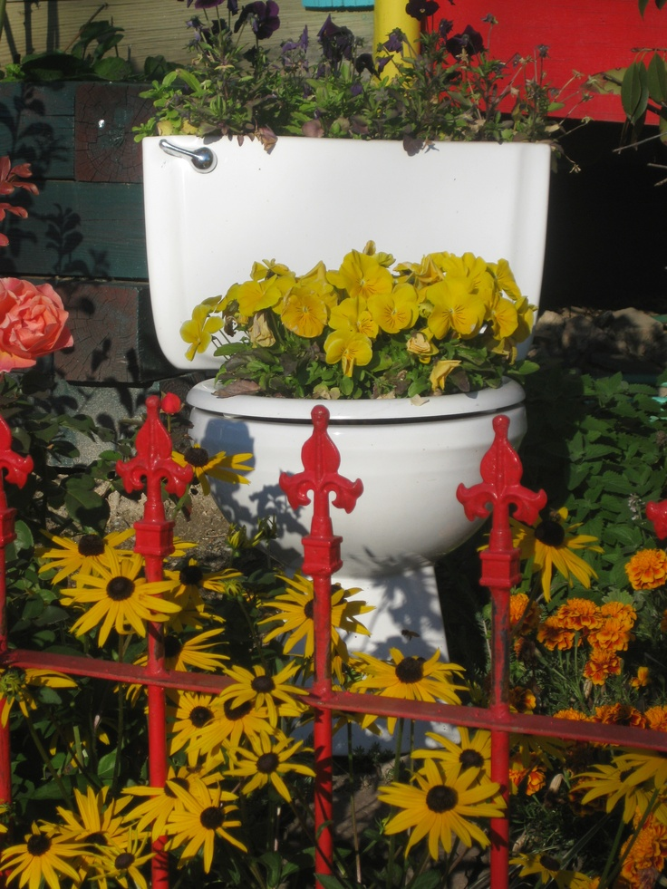 10 Best Images About Toilet Planter On Pinterest Gardens