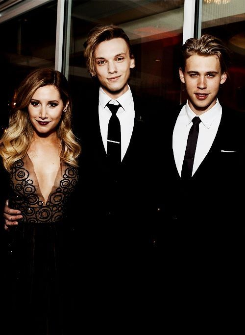 Ashley Tisdale and Jamie Campbell Bower in the same photo. I'm gonna die.