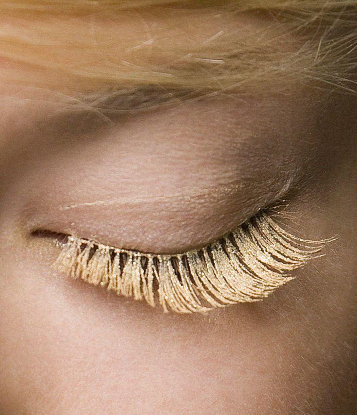 Gold eyelashes: Centip, Eye Makeup, Coachella, Photo Makeup, Gold Lashes, Blondes, Eye Lashes, Golden Eyelashes, Angel Costumes