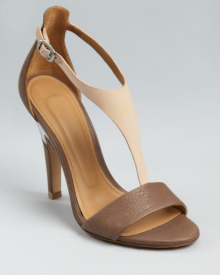 13 Beste Souliers images on Ladies Pinterest   Ladies on scarpe, scarpe sandals   f58b0e