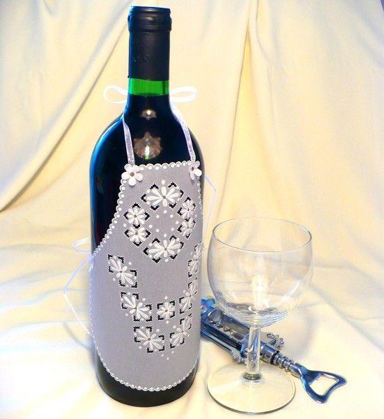 Zástěrka na láhev vína