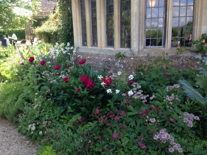 Wonderful herbaceous mixes in delightful colour schemes at Asthall Manor