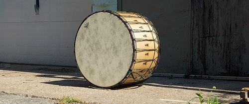 """Natural Tupan: Boomy Lows & """"Tek""""y Highs with CAD internal mic. 16x26; plied maple; satin wax.  To see more pix, and search our entire TreeHouse archive for your favorite specs, visit our photo gallery:http://www.flickr.com/photos/treehousedrums/collections/"""