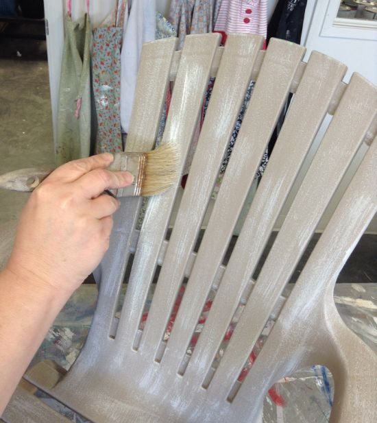 diy painting a plastic outdoor chair to look like driftwood outdoor