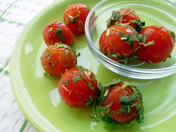 Ароматные малосольные помидоры
