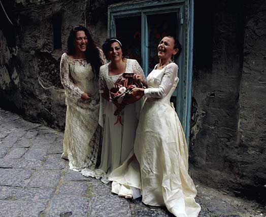 Il Segno delle Donne: Trio di musica popolare Le Assurd (Cristina Vetron...