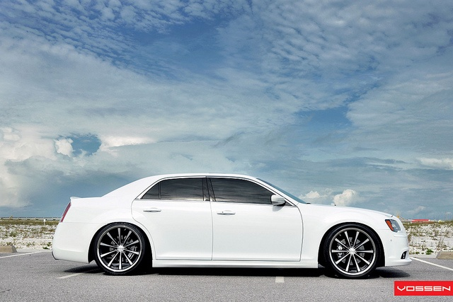 Chrysler 300 SRT8 - VVSCV1 by VossenWheels