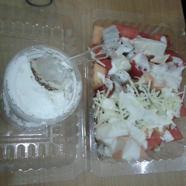 prepare for lunch #yogurtsalad #cappucino