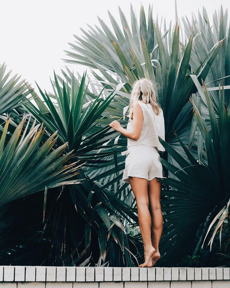 pinterest: @lilyosm | palm frond trees girl hawaii cute aesthetic summer vacation picture