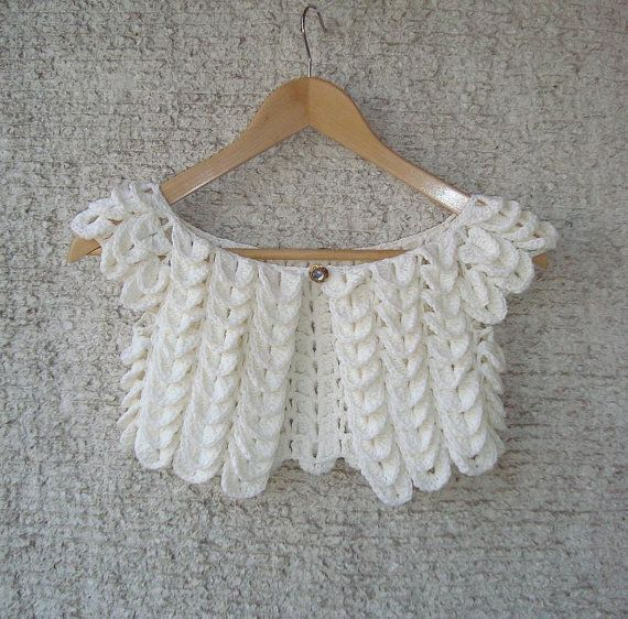 Crocodile stitch shrug cute for a little girl. Inspiration, but so easy lookin! Crochet Shrug PatternCrochet ShrugsCrochet BolerosCrochet BabyCrochet ...