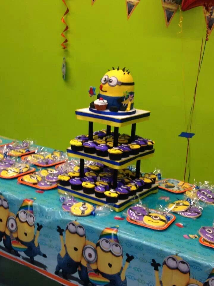 Minion Cake table | Despicable Me | Kids party decorations Birthday party themes Minion birthday & Minion Cake table | Despicable Me | Kids party decorations Birthday ...